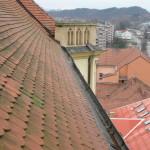 Čistění střešních žlabů